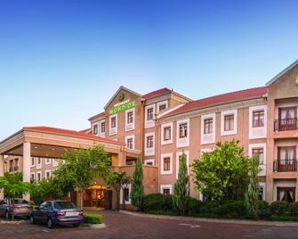 Peermont Mondior, Gaborone - Gaborone - Building