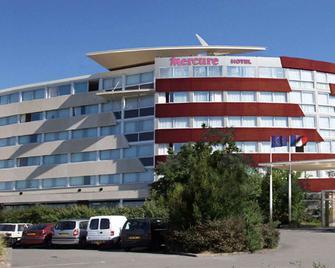 Mercure Vannes Le Port - Ванн - Building