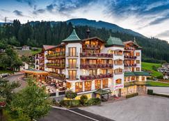Ferienhotel Platzlhof - Ried im Zillertal - Edificio