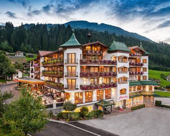 Ferienhotel Platzlhof - Ried im Zillertal - Gebouw