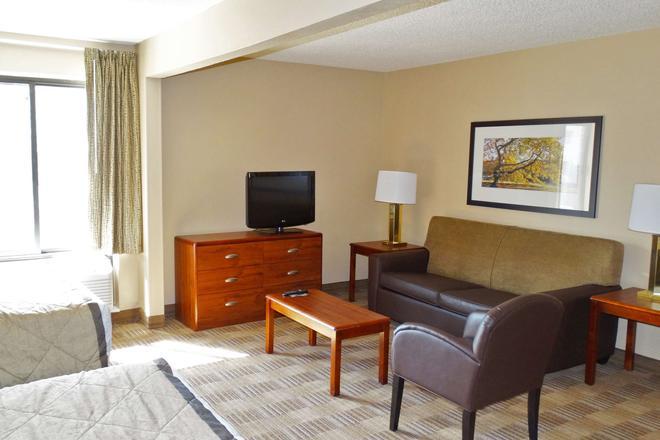 Extended Stay America - Jacksonville - Lenoir Avenue South - Jacksonville - Living room
