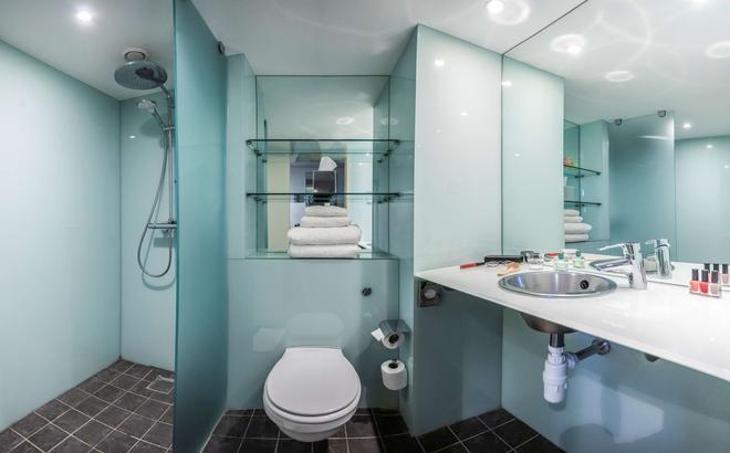 pentahotel Derby - Derby - Bathroom