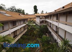 Solomon Kitano Mendana Hotel - Honiara - Building