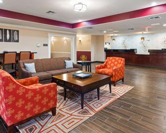 Best Western Plus Burleson Inn & Suites - Burleson - Salónek