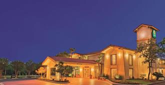 La Quinta Inn by Wyndham San Antonio Lackland - סן אנטוניו - בניין
