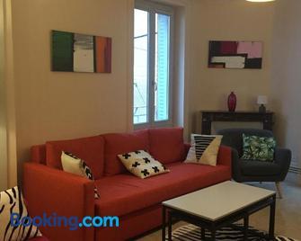Appartement T2 & T4 tout Confort en Hypercentre de Thiers - Thiers - Wohnzimmer