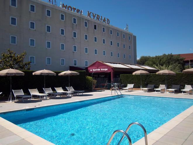 Kyriad Cannes Mandelieu - Κάννες - Πισίνα