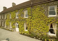 Maudlins House Hotel - Naas - Building
