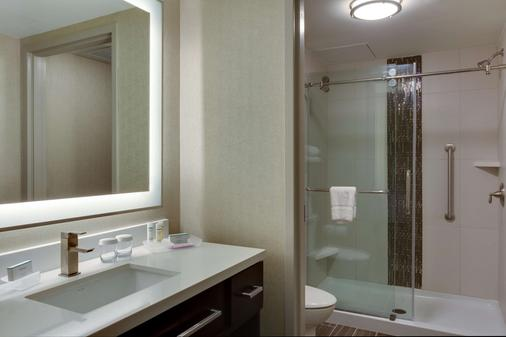 Homewood Suites Savannah Historic District/Riverfront - Savannah - Bathroom