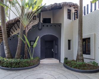 Thompson Zihuatanejo, a Beach Resort - Zihuatanejo - Gebäude