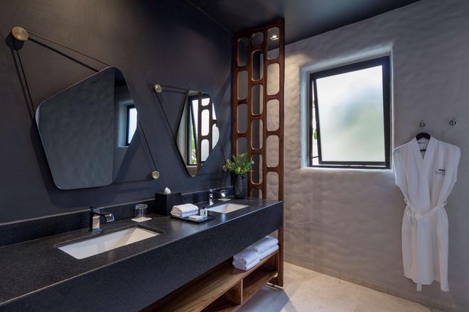 Thompson Zihuatanejo, a Beach Resort - Zihuatanejo - Phòng tắm