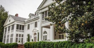 The Duke Mansion - שרלוט - בניין