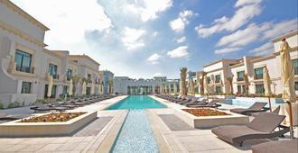 Al Seef Resort & Spa By Andalus - אבו דאבי - בריכה