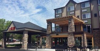 Best Western Plus Peak Vista Inn & Suites - Colorado Springs - Building