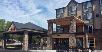 Best Western Plus Peak Vista Inn & Suites - קולרדו ספרינגס - בניין