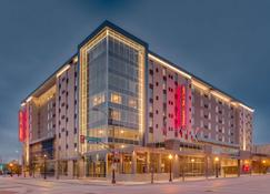 Hampton Inn & Suites Fort Worth Downtown - Fort Worth - Building