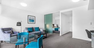 Chifley Apartments Newcastle - ניוקאסל