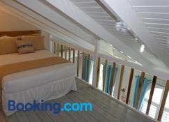Beach Two Bedroom Loft Suite E29 - Ocho Rios - Bedroom