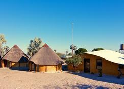 Ongula Village Homestead Lodge - Ondangwa - Edificio