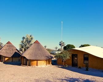 Ongula Village Homestead Lodge - Ondangwa - Building