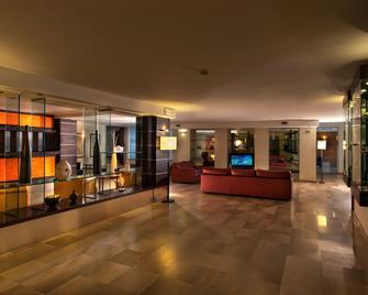 Virgilio Grand Hotel - Сперлонга - Лоббі