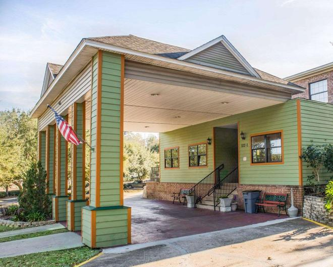 Suburban Extended Stay Hotel - Tallahassee - Edificio