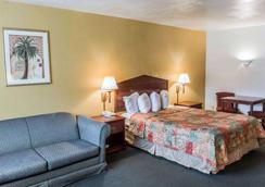 Suburban Extended Stay Hotel - Tallahassee - Habitación