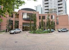 Pelicanstay at Yonge & Sheppard North York - Toronto - Building