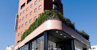 Emblem Hostel Nishiarai - Tokyo - Building