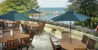 The Royal Hotel - Scarborough - Rakennus