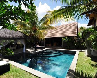 Oasis Villas - Pereybèré - Pool