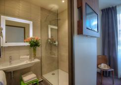 Campanile Annecy Centre - Gare - Annecy - Bathroom