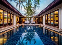 Pai Tan Villas - Bãi biển Bang Tao - Bể bơi