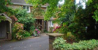 Holly House - Haywards Heath - Outdoor view