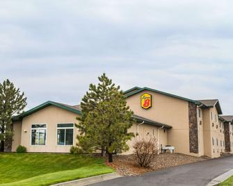 Super 8 by Wyndham Wheatland Wyoming - Wheatland - Building
