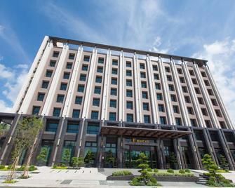 F Hotel Chihpen - Taitung - Gebäude