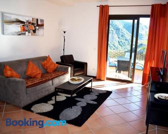 El Casar Apartments - Benahavis - Living room