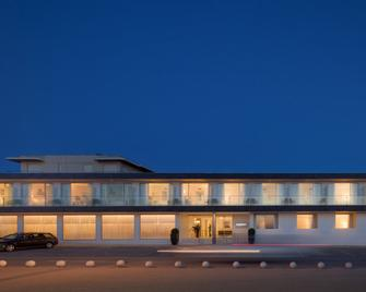 Furadouro Boutique Hotel Beach & Spa - Ovar - Building