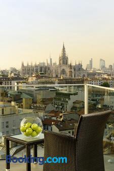 Uptown Palace - Milan - Balcony