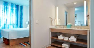 Universal's Endless Summer Resort - Surfside Inn and Suites - Orlando - Bathroom