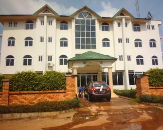 Wadoma Royale Hotel - Kumasi - Gebäude