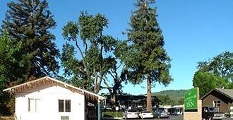 Cloverdale Oaks Inn - Cloverdale - Vista del exterior