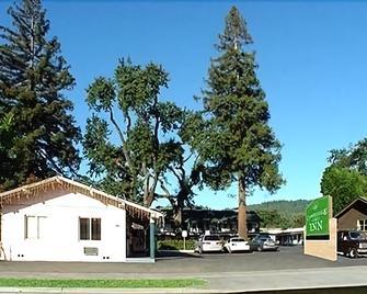 Cloverdale Oaks Inn - Cloverdale - Outdoor view
