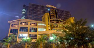 Panari Hotel - נאירובי - בניין