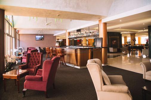 The Panari Hotel - Ναϊρόμπι - Bar