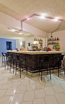 Trianta Hotel Apartments - Ialysos - Bar