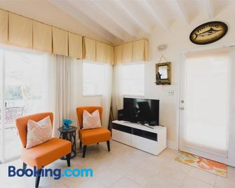 Duck Key Vacation With Discount - Duck Key - Living room