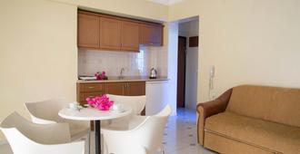 Amaris Apartments - מרמריס - בניין