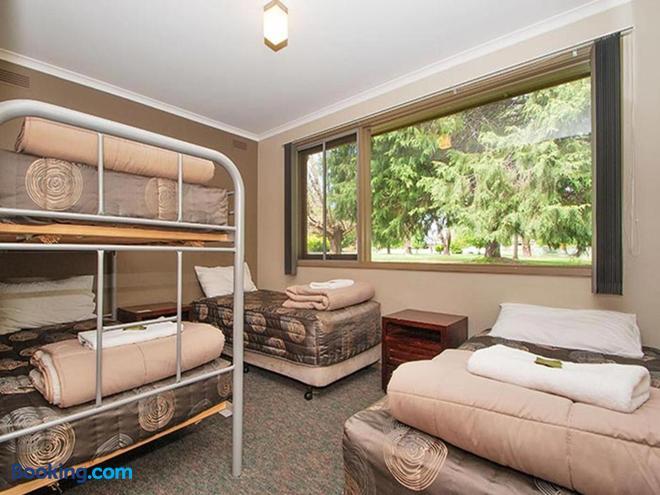 Bright Motor Inn - Bright - Bedroom