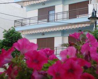 Antique The Hotel - Olympiaki Akti - Outdoor view